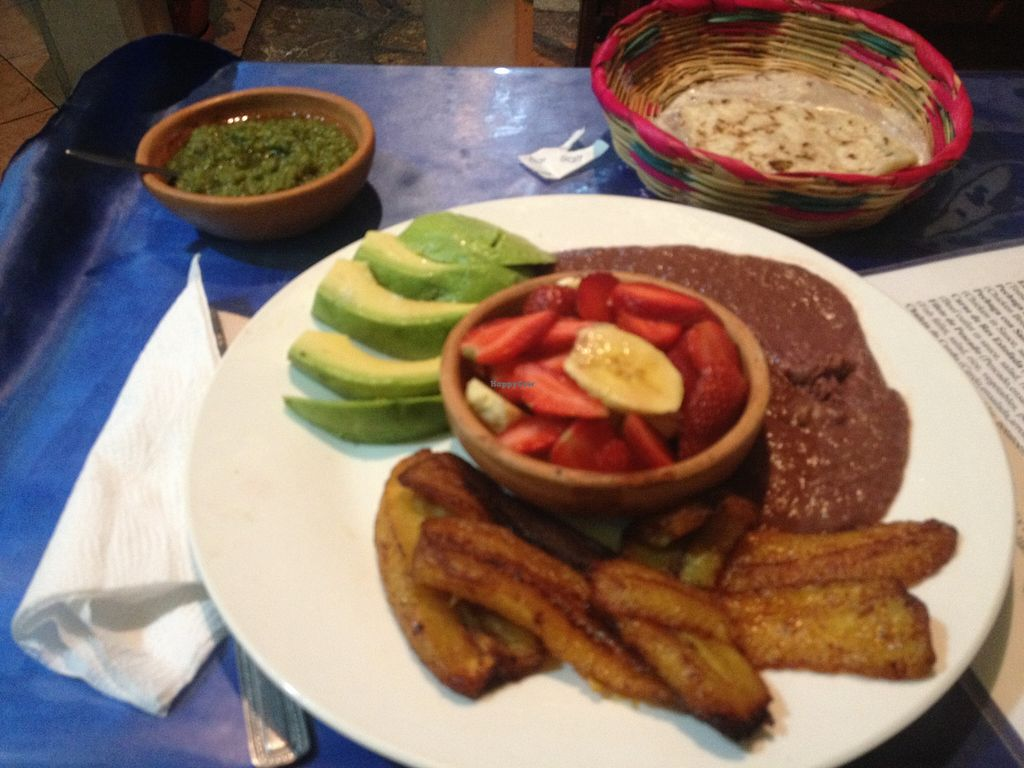 """Photo of Bon Apetit  by <a href=""""/members/profile/vegan_ryan"""">vegan_ryan</a> <br/>Desayuno typical, with modifications to be vegan <br/> April 20, 2016  - <a href='/contact/abuse/image/72508/145523'>Report</a>"""