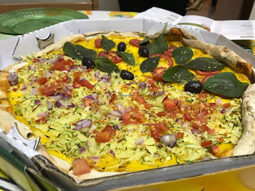 """Photo of Sampa Pizza  by <a href=""""/members/profile/Paolla"""">Paolla</a> <br/>Napolitana + abobrinha <br/> July 24, 2017  - <a href='/contact/abuse/image/72598/284065'>Report</a>"""