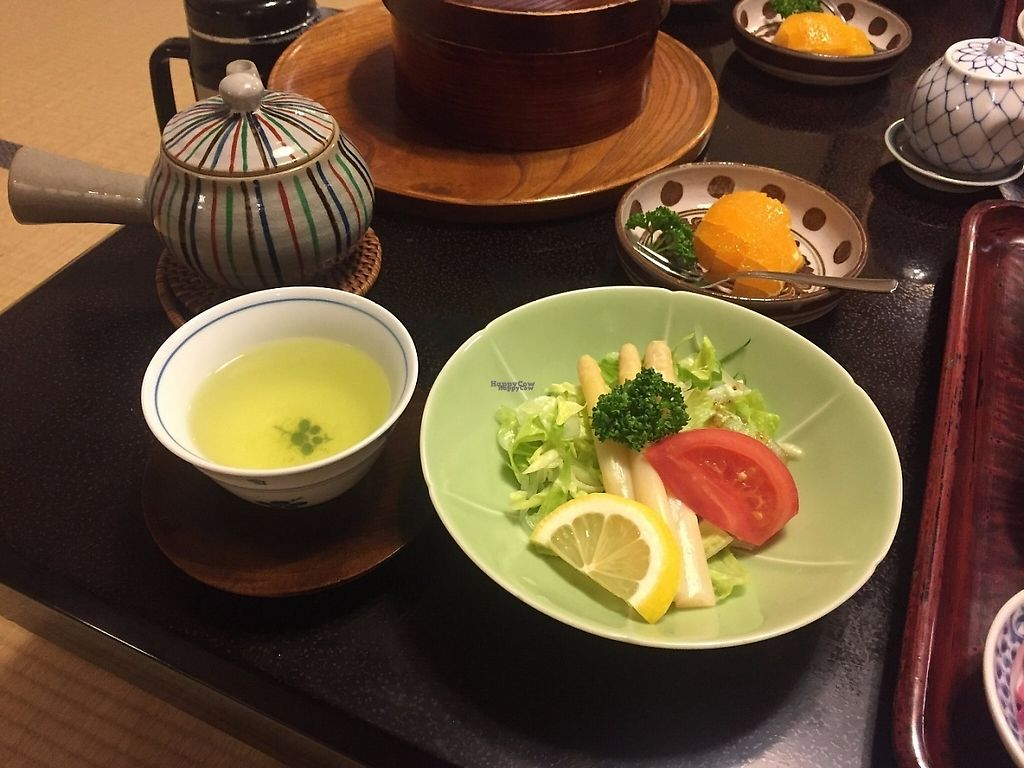 """Photo of Kan Suiro  by <a href=""""/members/profile/Emilyk_90"""">Emilyk_90</a> <br/>Breakfast salad <br/> April 23, 2017  - <a href='/contact/abuse/image/72627/251499'>Report</a>"""