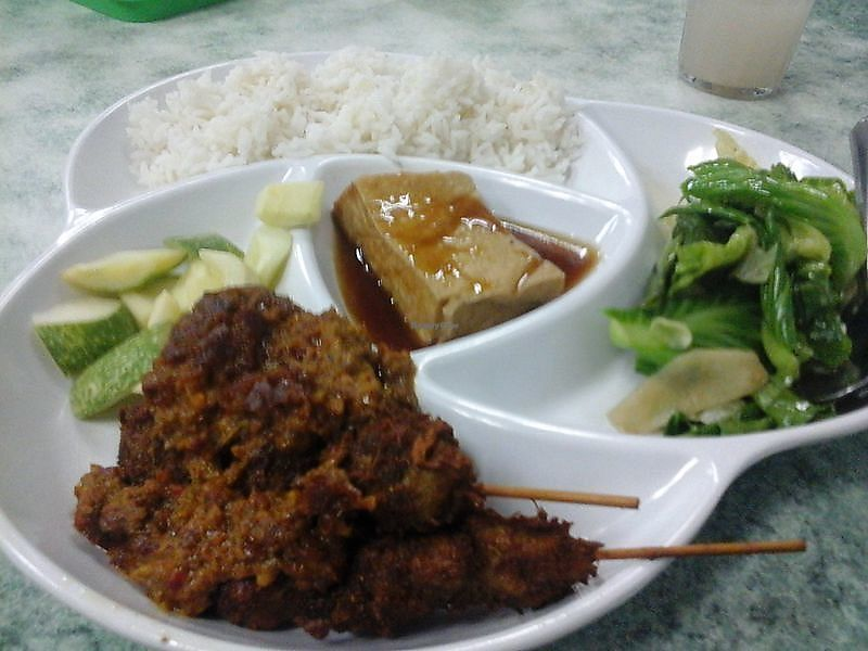 """Photo of Water Lily Restaurant  by <a href=""""/members/profile/junya"""">junya</a> <br/>Satay set meal <br/> August 2, 2017  - <a href='/contact/abuse/image/7264/287902'>Report</a>"""