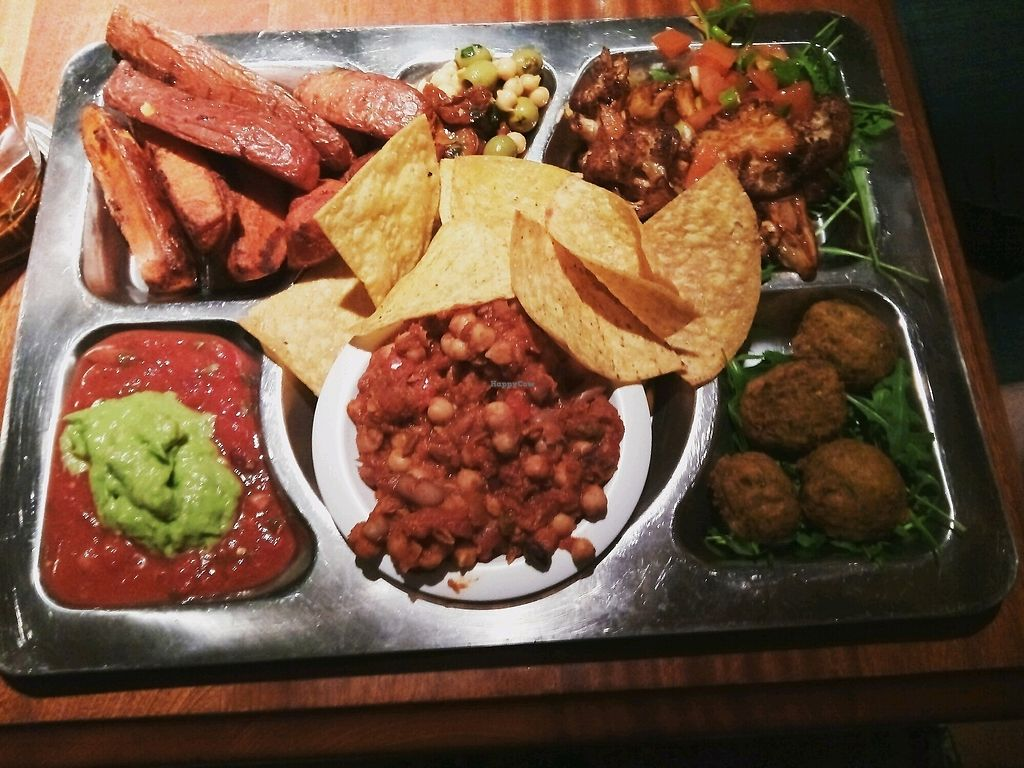 "Photo of Lavery's  by <a href=""/members/profile/indigo.empress"">indigo.empress</a> <br/>the very tasty vegan platter <br/> February 18, 2018  - <a href='/contact/abuse/image/72693/360962'>Report</a>"