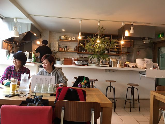 "Photo of CLOSED: Jinnan Ramen  by <a href=""/members/profile/Starinarose"">Starinarose</a> <br/>just like sitting in your friend's lumious and spacious eat in kitchen <br/> October 26, 2016  - <a href='/contact/abuse/image/72721/184481'>Report</a>"