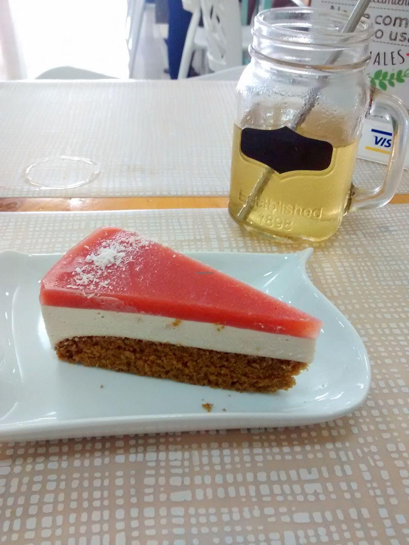 "Photo of SANA Vegan Cafe  by <a href=""/members/profile/kielsaenz"">kielsaenz</a> <br/>Torta helada vegana con infusión de yacón <br/> April 24, 2016  - <a href='/contact/abuse/image/72735/145999'>Report</a>"