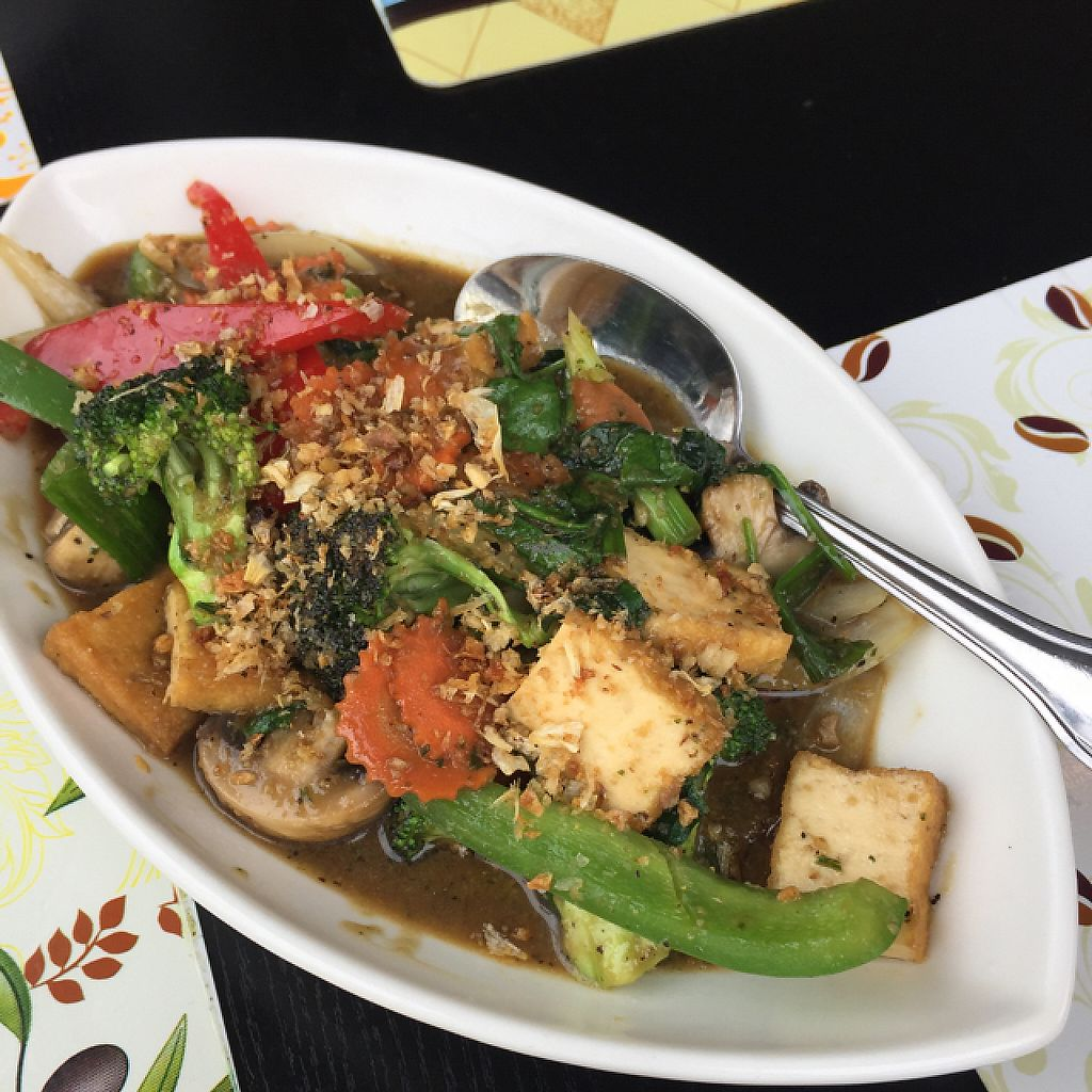 """Photo of Yellow Curry  by <a href=""""/members/profile/shamington"""">shamington</a> <br/>garlic supreme! <br/> March 26, 2017  - <a href='/contact/abuse/image/72740/241517'>Report</a>"""