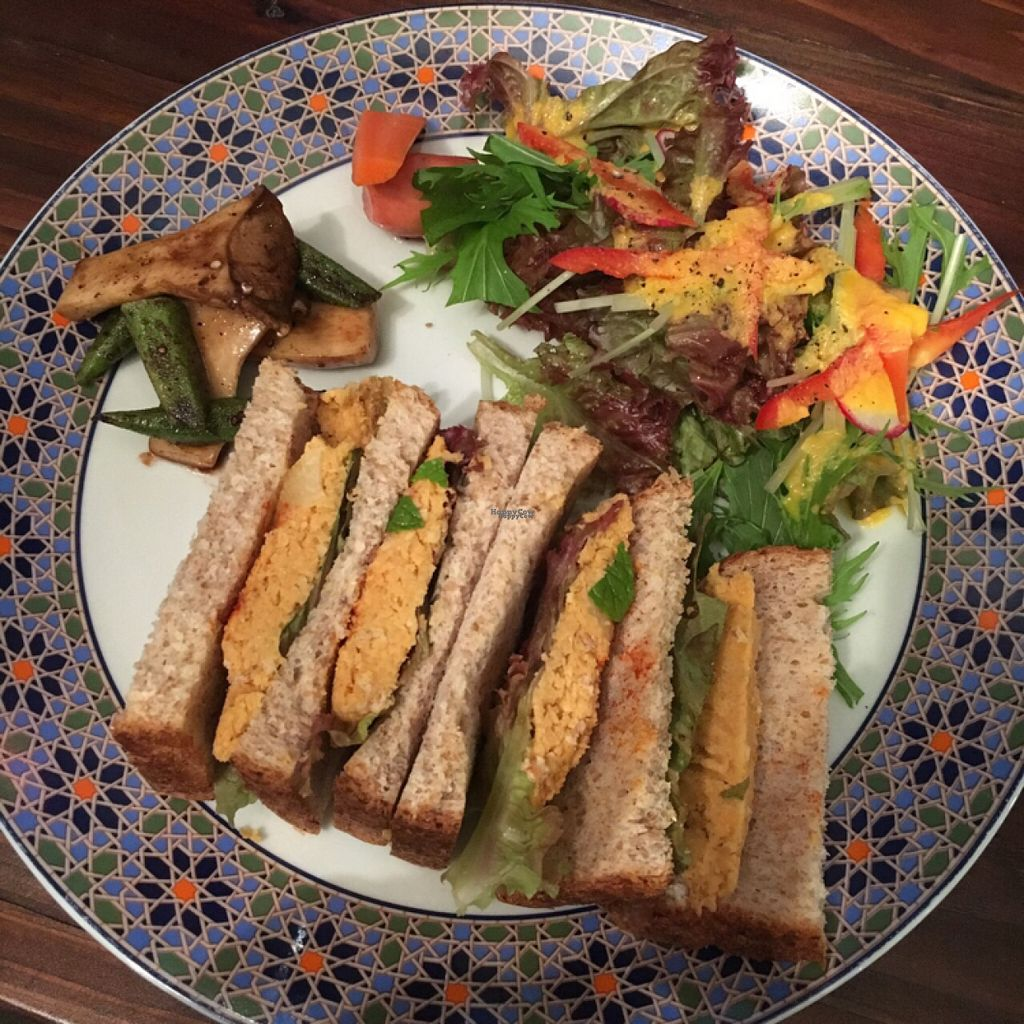 Photo of Lamp  by meihoriuchiii <br/>vegan sandwich plate--¥700 <br/> November 3, 2016  - <a href='/contact/abuse/image/72797/186259'>Report</a>