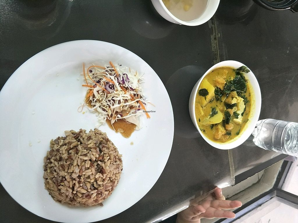 "Photo of Vege Pot  by <a href=""/members/profile/IvyTeng"">IvyTeng</a> <br/>mani vege curry  <br/> April 14, 2018  - <a href='/contact/abuse/image/72843/385681'>Report</a>"