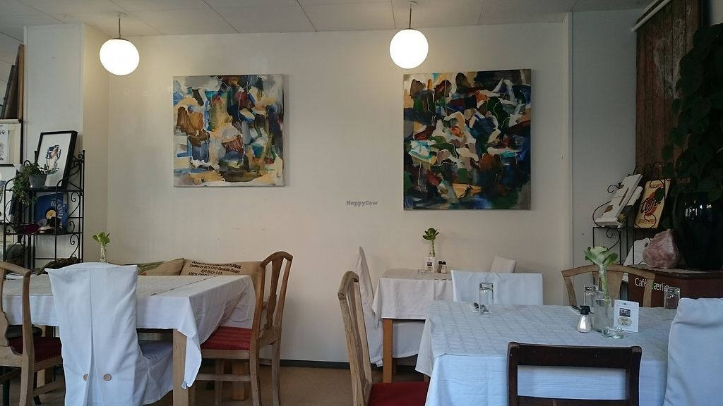 """Photo of Cafe K-aerlig  by <a href=""""/members/profile/chb-pbfp"""">chb-pbfp</a> <br/>Inside 2 <br/> August 22, 2017  - <a href='/contact/abuse/image/72897/295861'>Report</a>"""