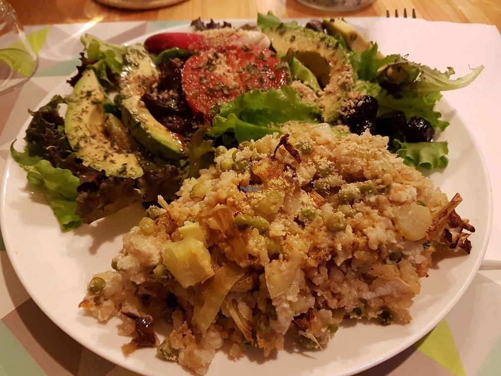 "Photo of CLOSED: Le Speakeasy  by <a href=""/members/profile/vfantasy"">vfantasy</a> <br/>Rice w peas. Tamari/nutritional yeast/ olive oil/ apple cider and cayenne pepper provided for add ons <br/> August 5, 2016  - <a href='/contact/abuse/image/7291/165977'>Report</a>"