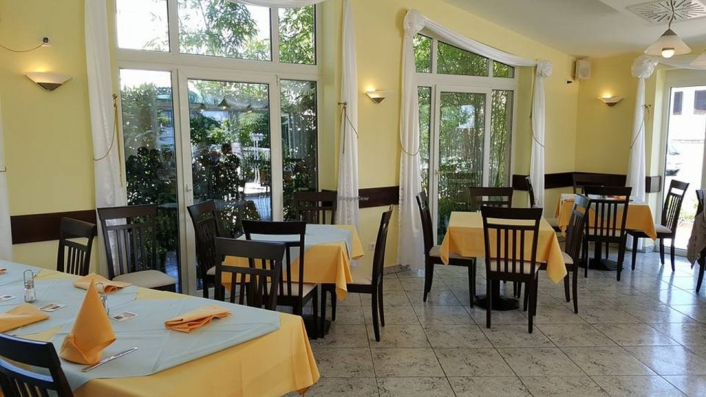 """Photo of Ristorante Toni  by <a href=""""/members/profile/Do-Yen"""">Do-Yen</a> <br/>Innen <br/> May 8, 2016  - <a href='/contact/abuse/image/72969/148051'>Report</a>"""