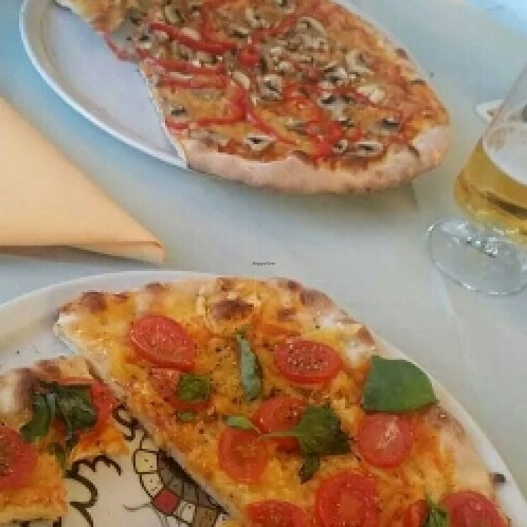 """Photo of Ristorante Toni  by <a href=""""/members/profile/Do-Yen"""">Do-Yen</a> <br/>zwei Pizza vegan <br/> May 20, 2016  - <a href='/contact/abuse/image/72969/149892'>Report</a>"""