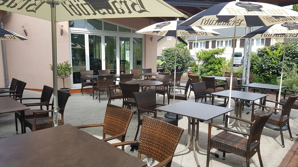 """Photo of Ristorante Toni  by <a href=""""/members/profile/Do-Yen"""">Do-Yen</a> <br/>Sommerterrasse <br/> May 27, 2016  - <a href='/contact/abuse/image/72969/150999'>Report</a>"""