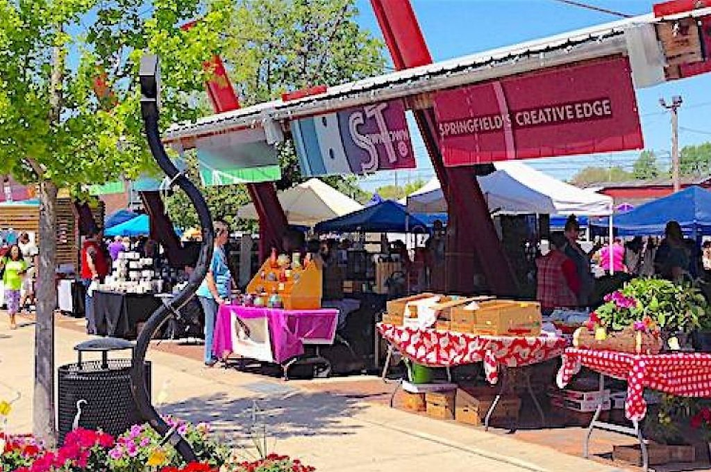 "Photo of C-Street City Market  by <a href=""/members/profile/DaturaMoon"">DaturaMoon</a> <br/>The front of C-Street city market <br/> April 28, 2016  - <a href='/contact/abuse/image/72984/207205'>Report</a>"