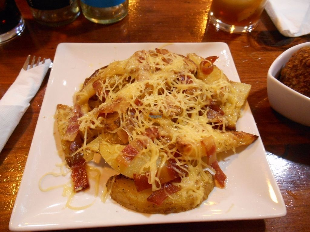 "Photo of Veg & Roll - Bar Vegano  by <a href=""/members/profile/AchimGuldner"">AchimGuldner</a> <br/>Patatas with bacon and cheese <br/> August 16, 2016  - <a href='/contact/abuse/image/73076/169332'>Report</a>"