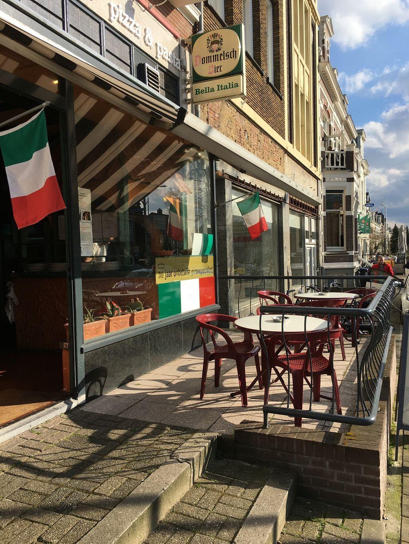 "Photo of Bella Italia  by <a href=""/members/profile/ElsGuarneri-Vianen"">ElsGuarneri-Vianen</a> <br/>the restaurant  <br/> April 30, 2016  - <a href='/contact/abuse/image/73101/146839'>Report</a>"
