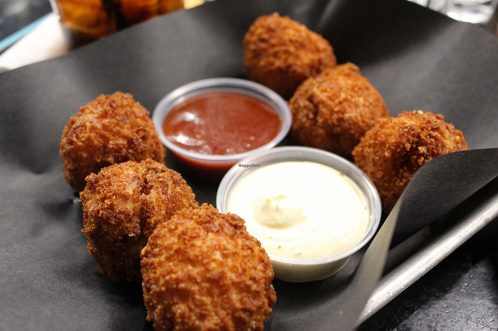 "Photo of Doomie's  by <a href=""/members/profile/MSVeganGal"">MSVeganGal</a> <br/>Fried mac n' cheese balls <br/> March 7, 2018  - <a href='/contact/abuse/image/73105/367840'>Report</a>"
