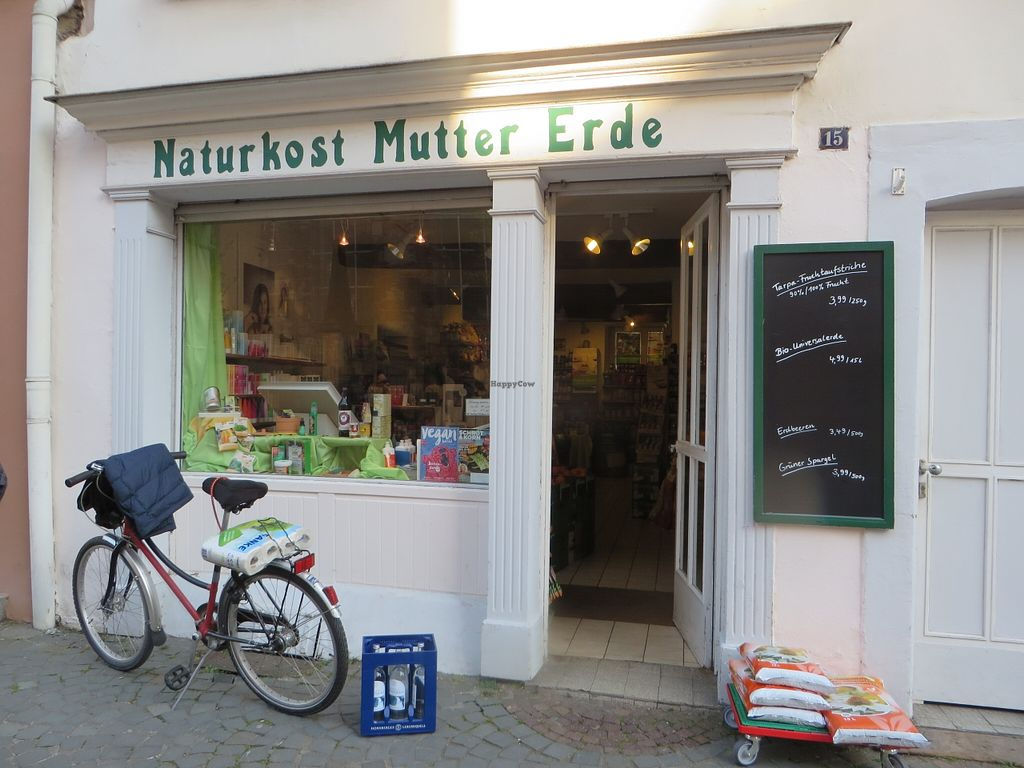 "Photo of Mutter Erde Naturkost  by <a href=""/members/profile/VegiAnna"">VegiAnna</a> <br/>shop front with entrance <br/> May 3, 2016  - <a href='/contact/abuse/image/73148/147273'>Report</a>"