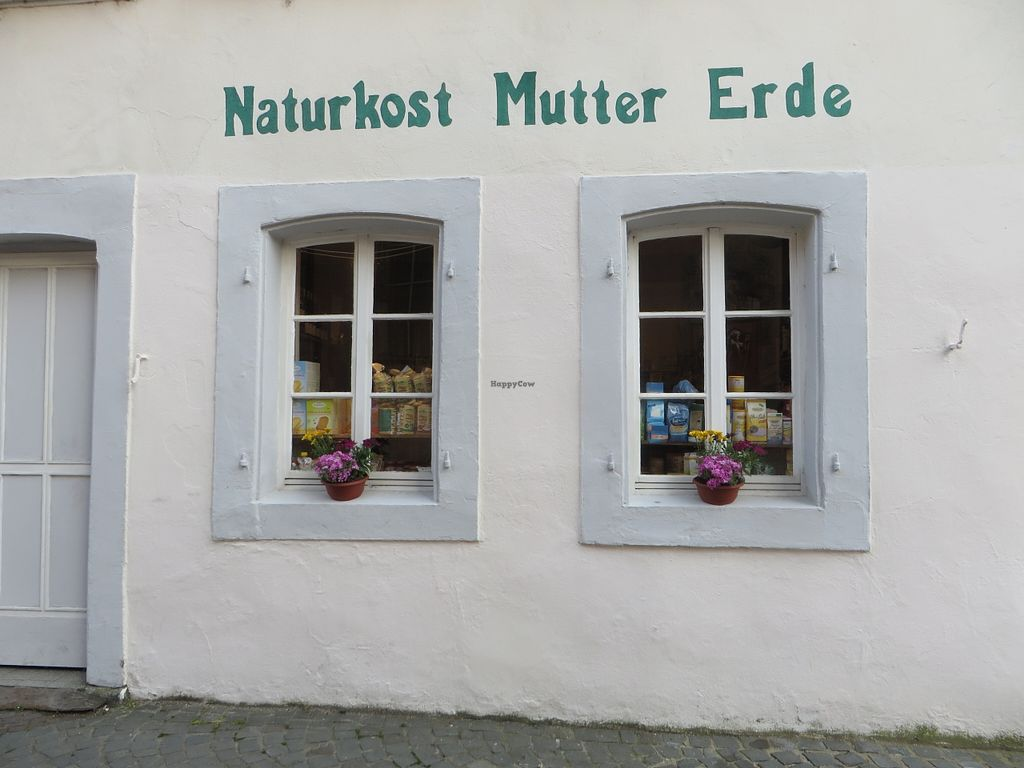 "Photo of Mutter Erde Naturkost  by <a href=""/members/profile/VegiAnna"">VegiAnna</a> <br/>shop front on the right <br/> May 3, 2016  - <a href='/contact/abuse/image/73148/147274'>Report</a>"