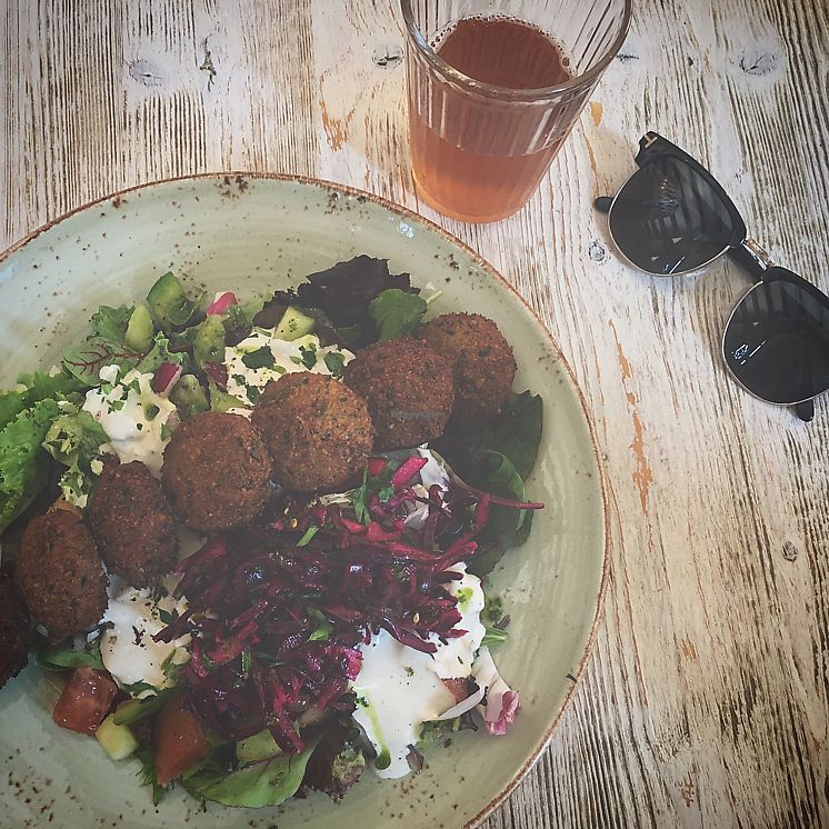 "Photo of Simply Delicious by Ronen  by <a href=""/members/profile/Stephanieveggie"">Stephanieveggie</a> <br/>falafel salad <br/> June 19, 2017  - <a href='/contact/abuse/image/73318/270962'>Report</a>"