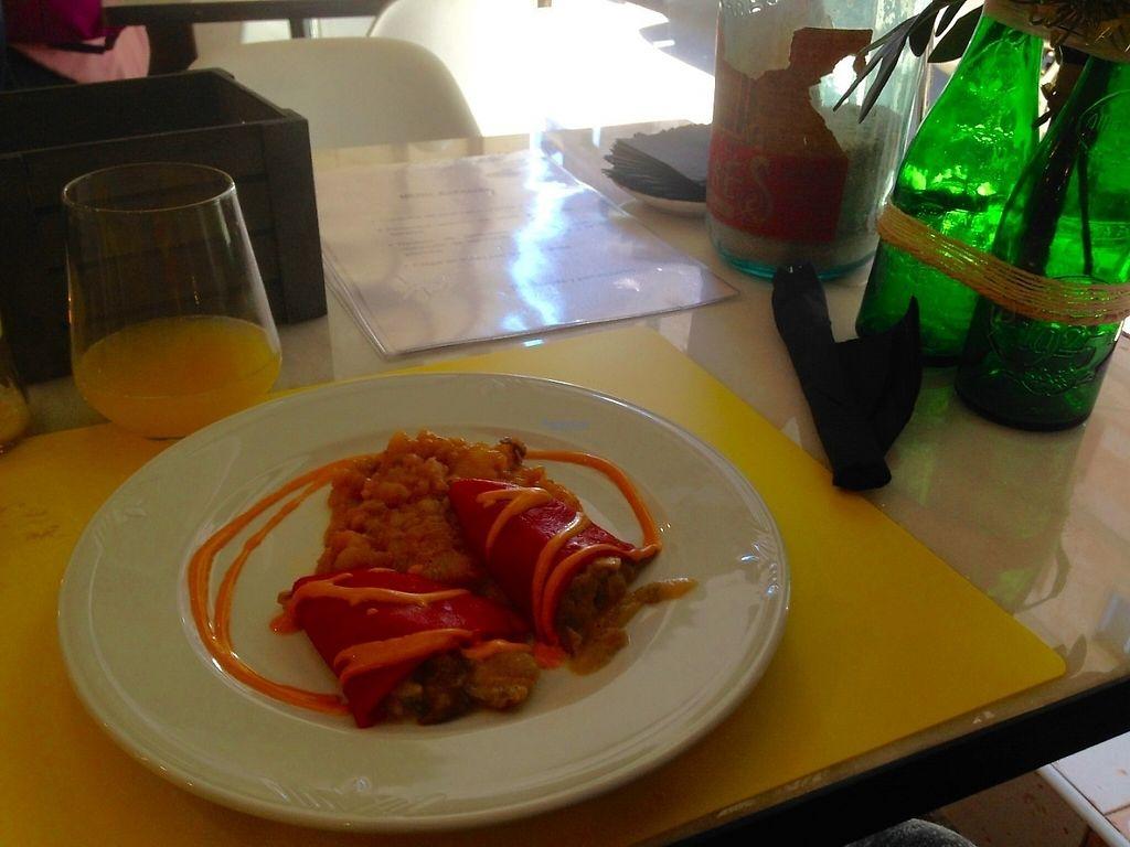 "Photo of 269 Gastro Vegan  by <a href=""/members/profile/Chuliette"">Chuliette</a> <br/>Pimientos rellenos de setas y puré de patatas / Red bell pepper filled with mushrooms and mashed potatoes /Poivrons rouges garnis de champignons et purée de pomme de terre  Muy rico !! Super Tasty !! <br/> November 20, 2016  - <a href='/contact/abuse/image/73324/192734'>Report</a>"