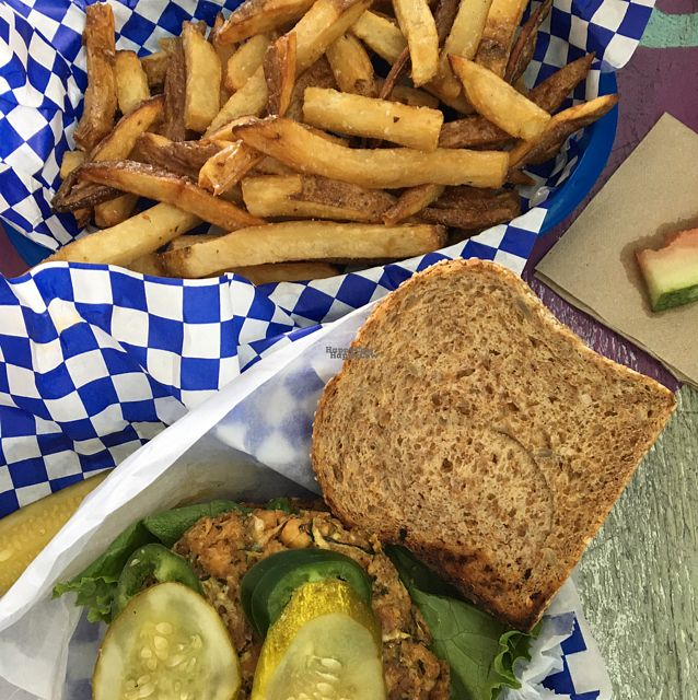 """Photo of CLOSED: Beach Burgerz  by <a href=""""/members/profile/mikey725"""">mikey725</a> <br/>okie dokie Artichokie on sprouted bread, pickle, jalapeño, and Sriracha aioli    <br/> September 25, 2016  - <a href='/contact/abuse/image/73333/177977'>Report</a>"""