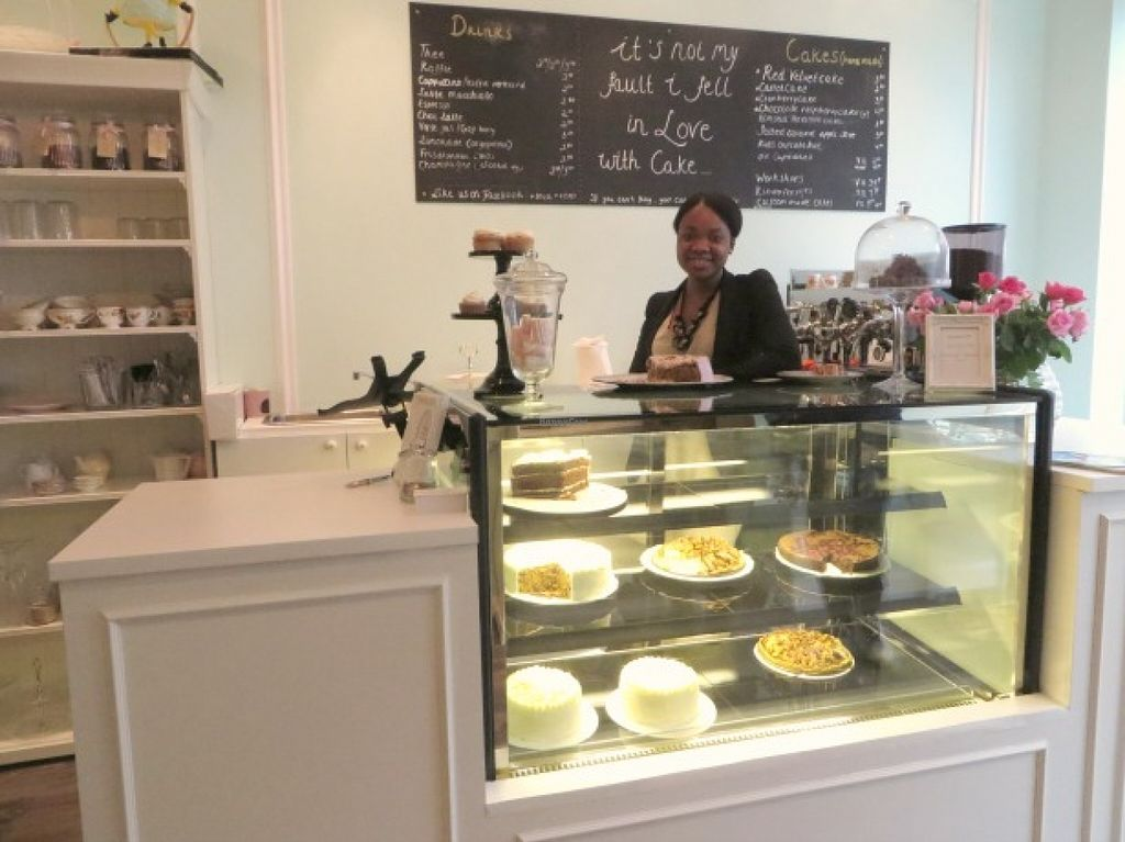 """Photo of Majesteit Taart  by <a href=""""/members/profile/MargoMustert"""">MargoMustert</a> <br/>The lady behind the counter + cakes and an idear of how it looks :) <br/> May 29, 2016  - <a href='/contact/abuse/image/73433/151313'>Report</a>"""