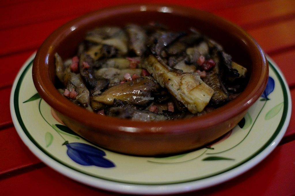 """Photo of Green Iguana Bar  by <a href=""""/members/profile/greeniguanabar"""">greeniguanabar</a> <br/>wild mushrooms fried in white wine <br/> December 2, 2016  - <a href='/contact/abuse/image/73541/196777'>Report</a>"""