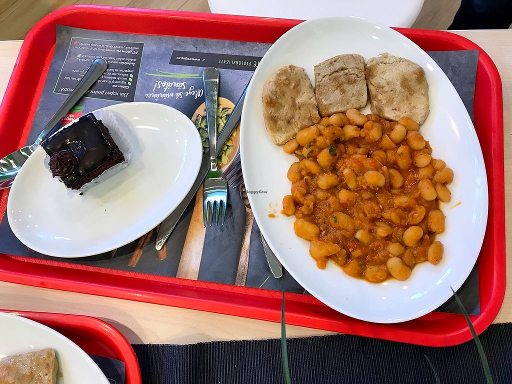 "Photo of VegUp Sanovita  by <a href=""/members/profile/DanielaDaniela"">DanielaDaniela</a> <br/>Beans with ""chicken"" steak <br/> October 12, 2017  - <a href='/contact/abuse/image/73549/314413'>Report</a>"