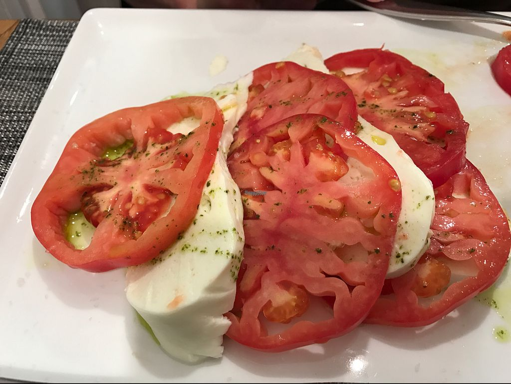 "Photo of Star Pub  by <a href=""/members/profile/Forman"">Forman</a> <br/>tomatoes and mozzarella  <br/> October 11, 2016  - <a href='/contact/abuse/image/73551/181356'>Report</a>"