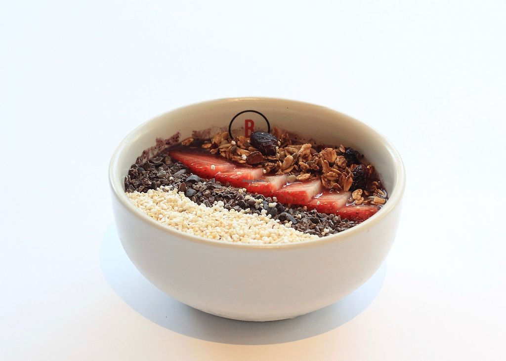 """Photo of Basico Food & Juice  by <a href=""""/members/profile/Sofiaamf"""">Sofiaamf</a> <br/>Delicious acai bowl, is almost vegan, just the granola isn't because of the honey.  <br/> August 22, 2017  - <a href='/contact/abuse/image/73586/295456'>Report</a>"""