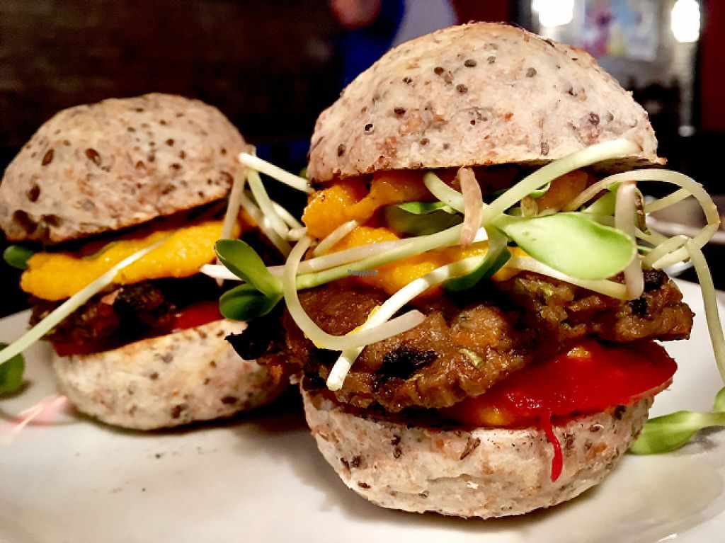 "Photo of Muna Muna  by <a href=""/members/profile/milos99"">milos99</a> <br/>mushroom and lentil sliders with sunflower sprouts  <br/> April 8, 2017  - <a href='/contact/abuse/image/73628/245804'>Report</a>"