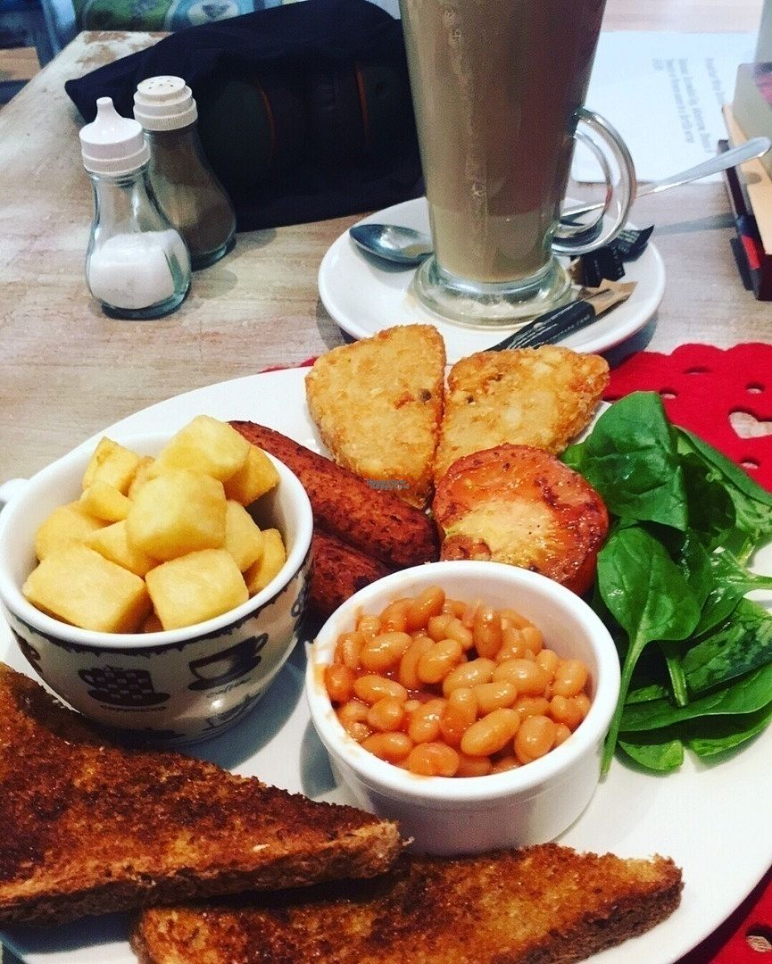 """Photo of Aingels Cafe Bistro  by <a href=""""/members/profile/Heckers83"""">Heckers83</a> <br/>Breakfast served for lunch (vegan) <br/> October 11, 2016  - <a href='/contact/abuse/image/73642/181314'>Report</a>"""
