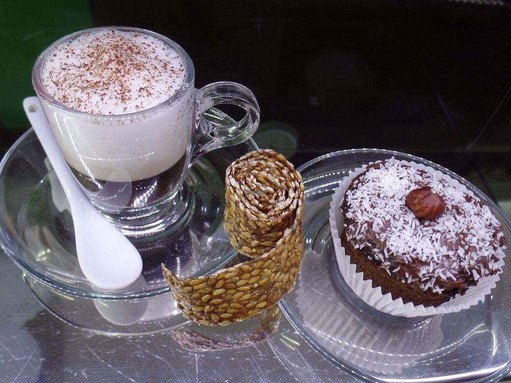 """Photo of Bio & Chocolate  by <a href=""""/members/profile/Michele75"""">Michele75</a> <br/>Marocchino con latte vegetale,rotolino crudista e muffin al cioccolato <br/> April 27, 2017  - <a href='/contact/abuse/image/73744/253199'>Report</a>"""
