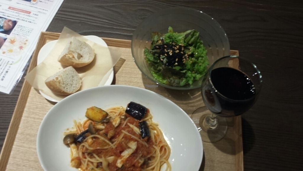 "Photo of Evah Dining Macrobiotic - Hakata Riverain Mall  by <a href=""/members/profile/vegansoul"">vegansoul</a> <br/>pasta set plus wine order extra charge <br/> November 3, 2016  - <a href='/contact/abuse/image/73777/186269'>Report</a>"