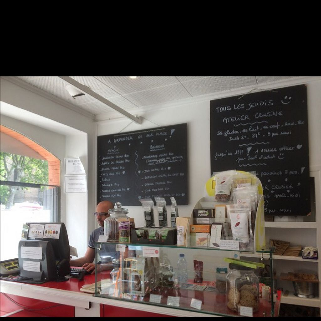 """Photo of CLOSED: Foodattitude  by <a href=""""/members/profile/Corinne988"""">Corinne988</a> <br/>le comptoir <br/> June 19, 2016  - <a href='/contact/abuse/image/73782/154767'>Report</a>"""