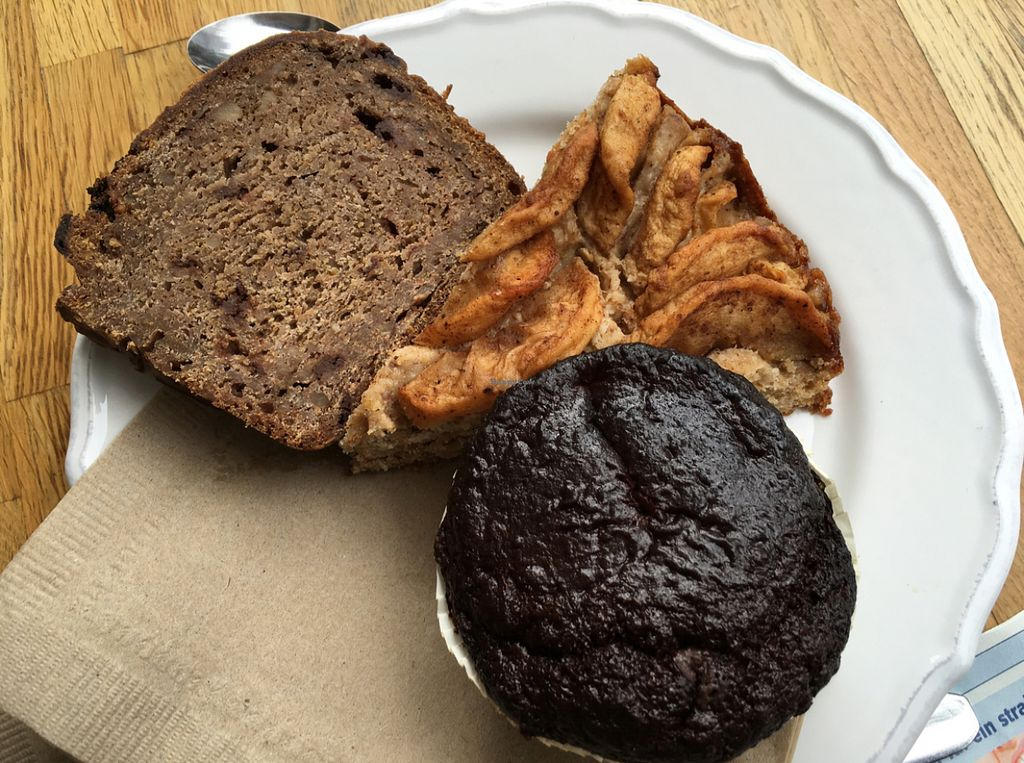 "Photo of CLOSED: VIDA  by <a href=""/members/profile/marky_mark"">marky_mark</a> <br/>banana bread, aplle cake, ""browffin"" -- all vegan <br/> June 21, 2016  - <a href='/contact/abuse/image/73797/155253'>Report</a>"