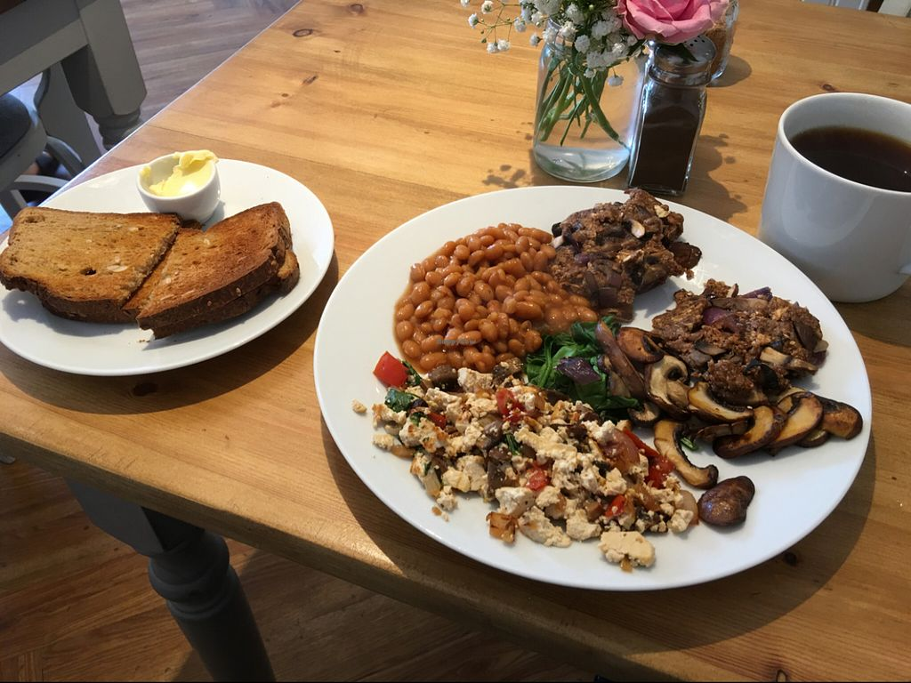 """Photo of Earthlings  by <a href=""""/members/profile/Micheledale"""">Micheledale</a> <br/>full English vegan breakfast  <br/> June 19, 2016  - <a href='/contact/abuse/image/73798/154806'>Report</a>"""