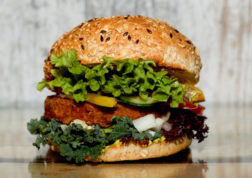 "Photo of Free Farma Burgerownia Roslinna  by <a href=""/members/profile/kama.broda"">kama.broda</a> <br/>Vegan Burger - BAUER #omnomnom <br/> June 6, 2016  - <a href='/contact/abuse/image/73850/152542'>Report</a>"