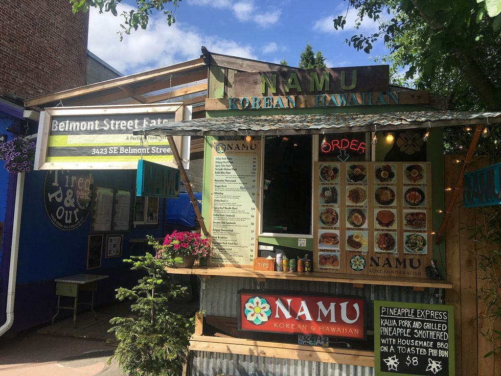 "Photo of Namu Food Cart - Belmont   by <a href=""/members/profile/Arthousebill"">Arthousebill</a> <br/>Front of truck and pod <br/> May 23, 2016  - <a href='/contact/abuse/image/74095/150500'>Report</a>"