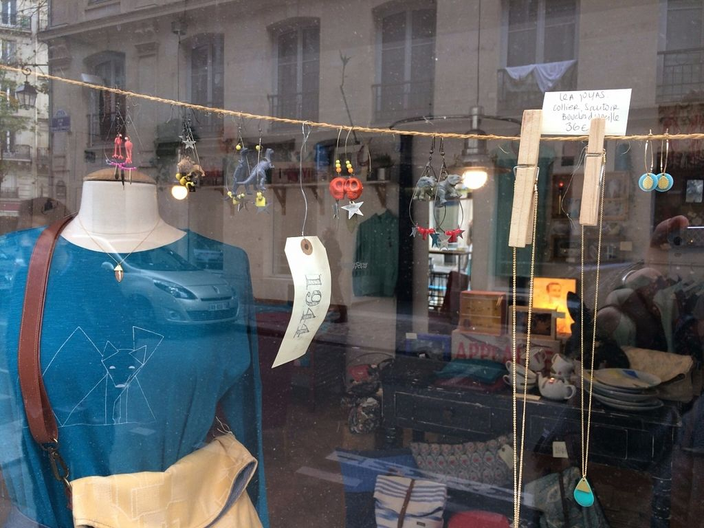 """Photo of CLOSED: 1944 Gallery Vegan Shop  by <a href=""""/members/profile/LisaCupcake"""">LisaCupcake</a> <br/>Shop window <br/> October 31, 2016  - <a href='/contact/abuse/image/74166/185614'>Report</a>"""