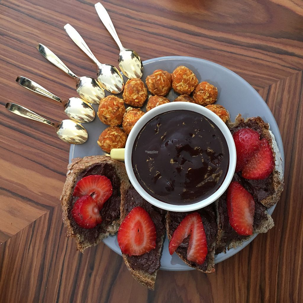"""Photo of CLOSED: 1944 Gallery Vegan Shop  by <a href=""""/members/profile/1944paula"""">1944paula</a> <br/>mousse chocolat banane and strawberries, along with coconut balls. :) <br/> January 22, 2017  - <a href='/contact/abuse/image/74166/215133'>Report</a>"""