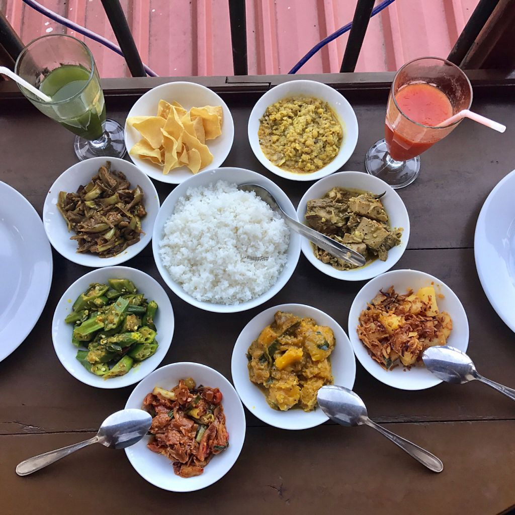 """Photo of Jade Green Tea Centre & Restaurant  by <a href=""""/members/profile/PetrFrolich"""">PetrFrolich</a> <br/>7 kinds of curries, one better than other <br/> March 26, 2017  - <a href='/contact/abuse/image/74420/241143'>Report</a>"""