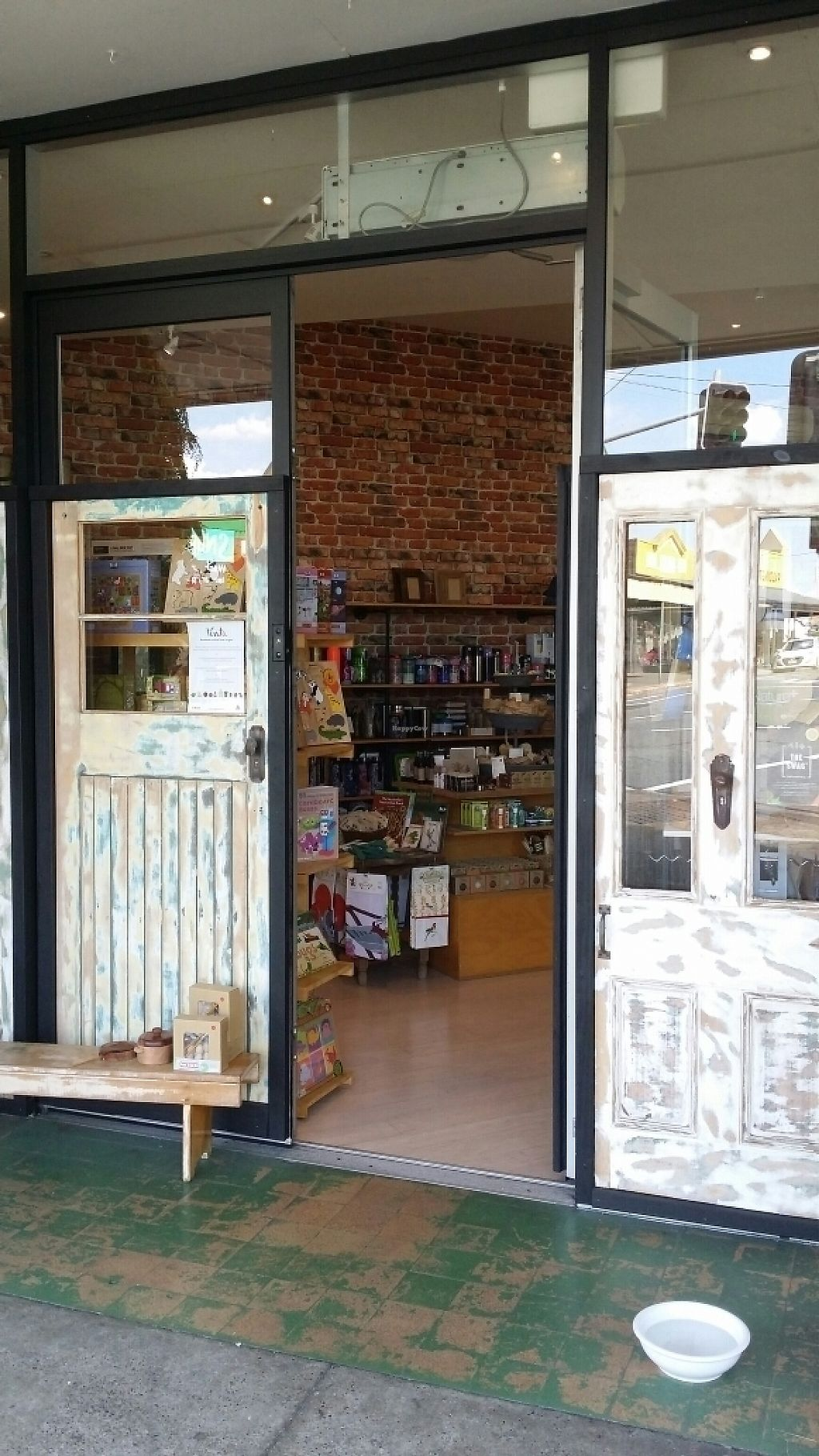 """Photo of Biome Eco Store  by <a href=""""/members/profile/Mike%20Munsie"""">Mike Munsie</a> <br/>shop front <br/> May 2, 2017  - <a href='/contact/abuse/image/74533/254870'>Report</a>"""