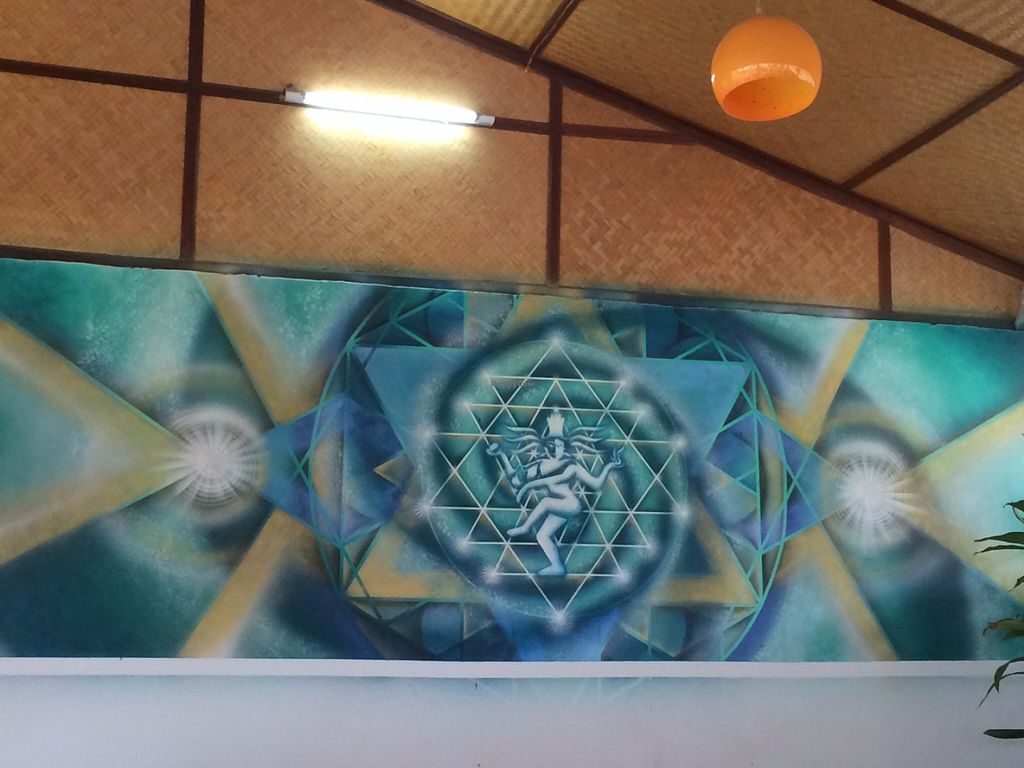 "Photo of Evolution Yogi Cafe  by <a href=""/members/profile/AnaPaulaCoelho"">AnaPaulaCoelho</a> <br/>Beautiful mural at the restaurant <br/> June 13, 2016  - <a href='/contact/abuse/image/74570/153729'>Report</a>"