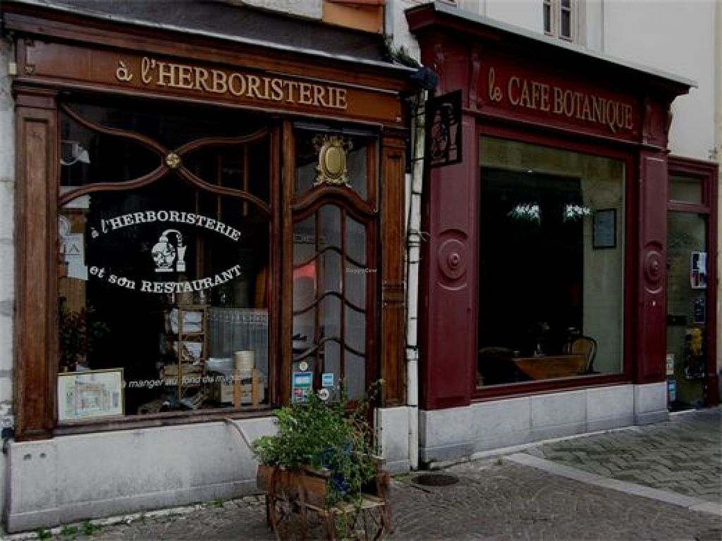 """Photo of Le Cafe Botanique  by <a href=""""/members/profile/community"""">community</a> <br/>Le Cafe Botanique <br/> June 8, 2016  - <a href='/contact/abuse/image/74630/152984'>Report</a>"""