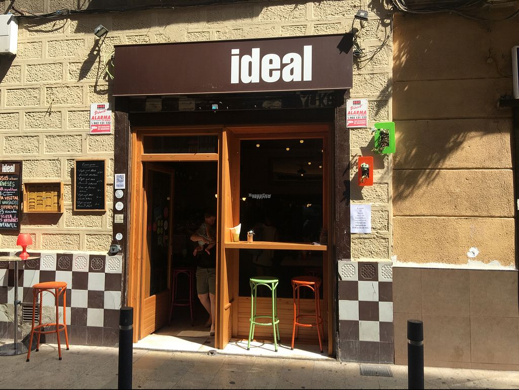 """Photo of Ideal Poble Nou  by <a href=""""/members/profile/Billwrelsford"""">Billwrelsford</a> <br/>Ideal Poble Nou front <br/> September 3, 2016  - <a href='/contact/abuse/image/74637/173226'>Report</a>"""