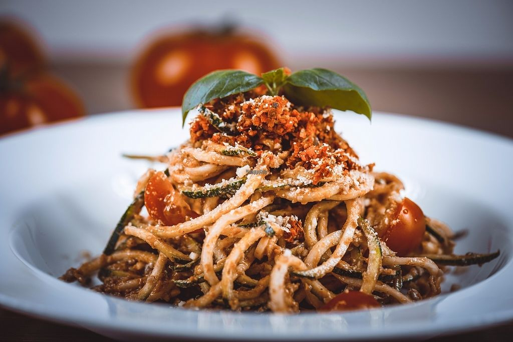 """Photo of Elelem Etterem  by <a href=""""/members/profile/ElelemEtterem"""">ElelemEtterem</a> <br/>raw bolognese with zucchini spagetti <br/> October 29, 2016  - <a href='/contact/abuse/image/74650/185176'>Report</a>"""