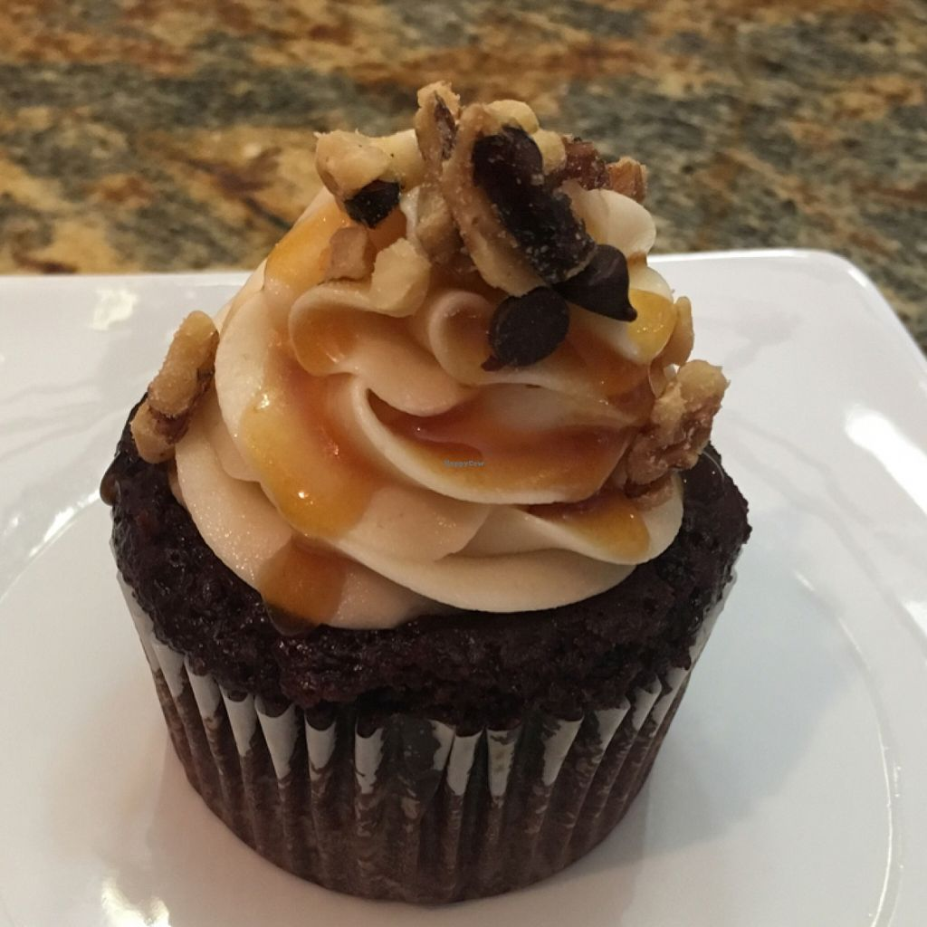 "Photo of Sinful Confections  by <a href=""/members/profile/Sinfulconfections"">Sinfulconfections</a> <br/>snickers cupcake <br/> June 6, 2016  - <a href='/contact/abuse/image/74659/152480'>Report</a>"