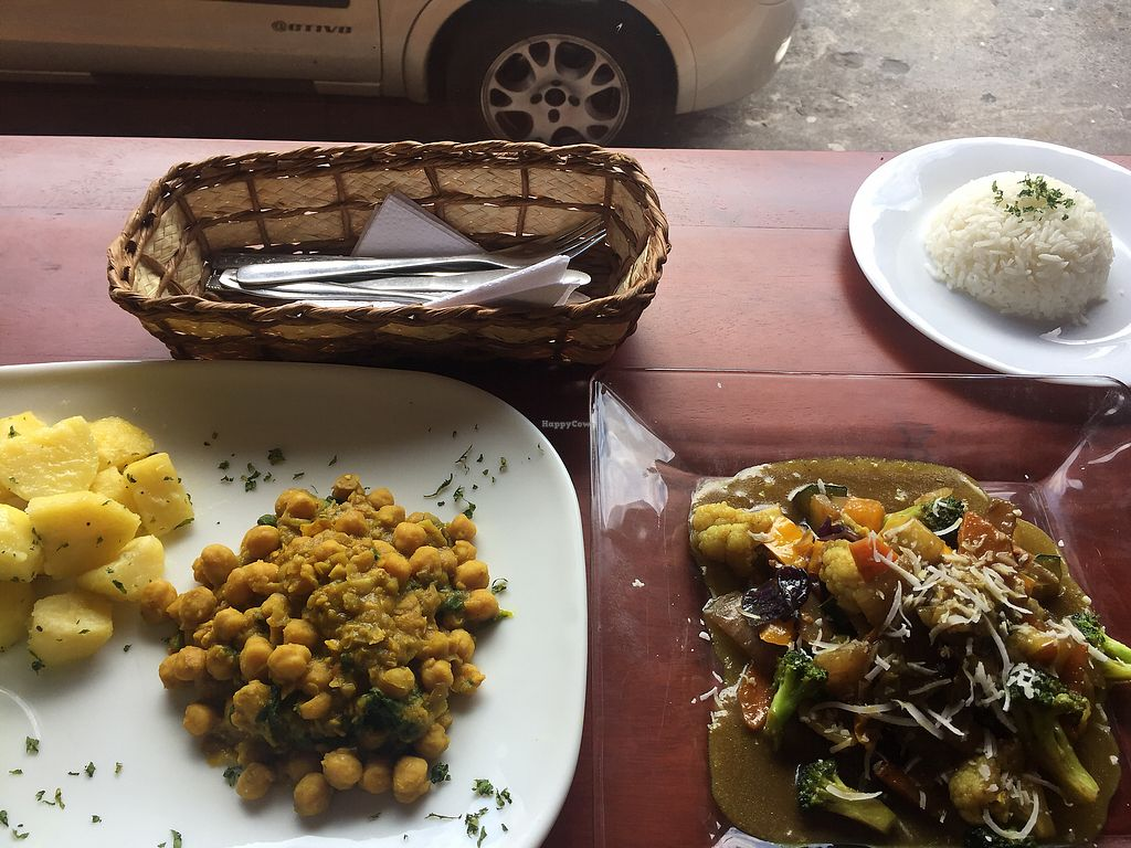 """Photo of Cafe Good  by <a href=""""/members/profile/Dianebg"""">Dianebg</a> <br/>Chickpea curry and Thai curry  <br/> November 17, 2017  - <a href='/contact/abuse/image/74665/326440'>Report</a>"""