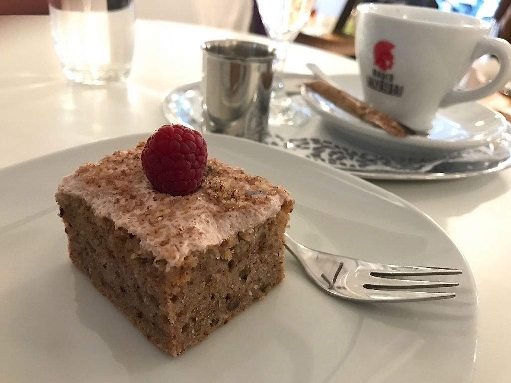 """Photo of Uli's Veganeria  by <a href=""""/members/profile/Dubi_Hubi"""">Dubi_Hubi</a> <br/>Delicious cake! <br/> December 5, 2016  - <a href='/contact/abuse/image/74750/197670'>Report</a>"""