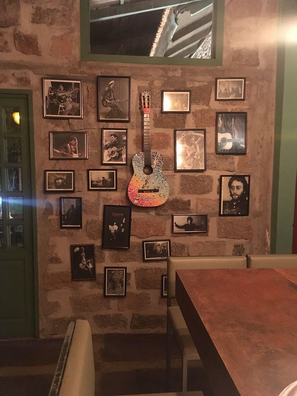 "Photo of Artesano Pizza Bar - Lagoa  by <a href=""/members/profile/ezefranca"">ezefranca</a> <br/>Wall <br/> April 20, 2018  - <a href='/contact/abuse/image/74775/388323'>Report</a>"